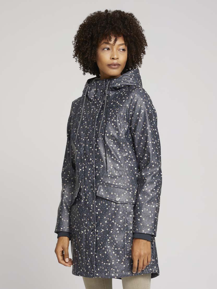Podložena dežna jakna s kapuco