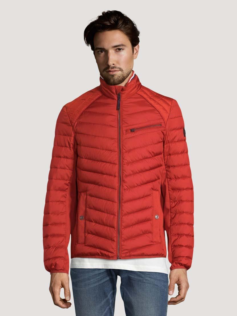 Prešita hibridna jakna s stoječim ovratnikom - Rdeča
