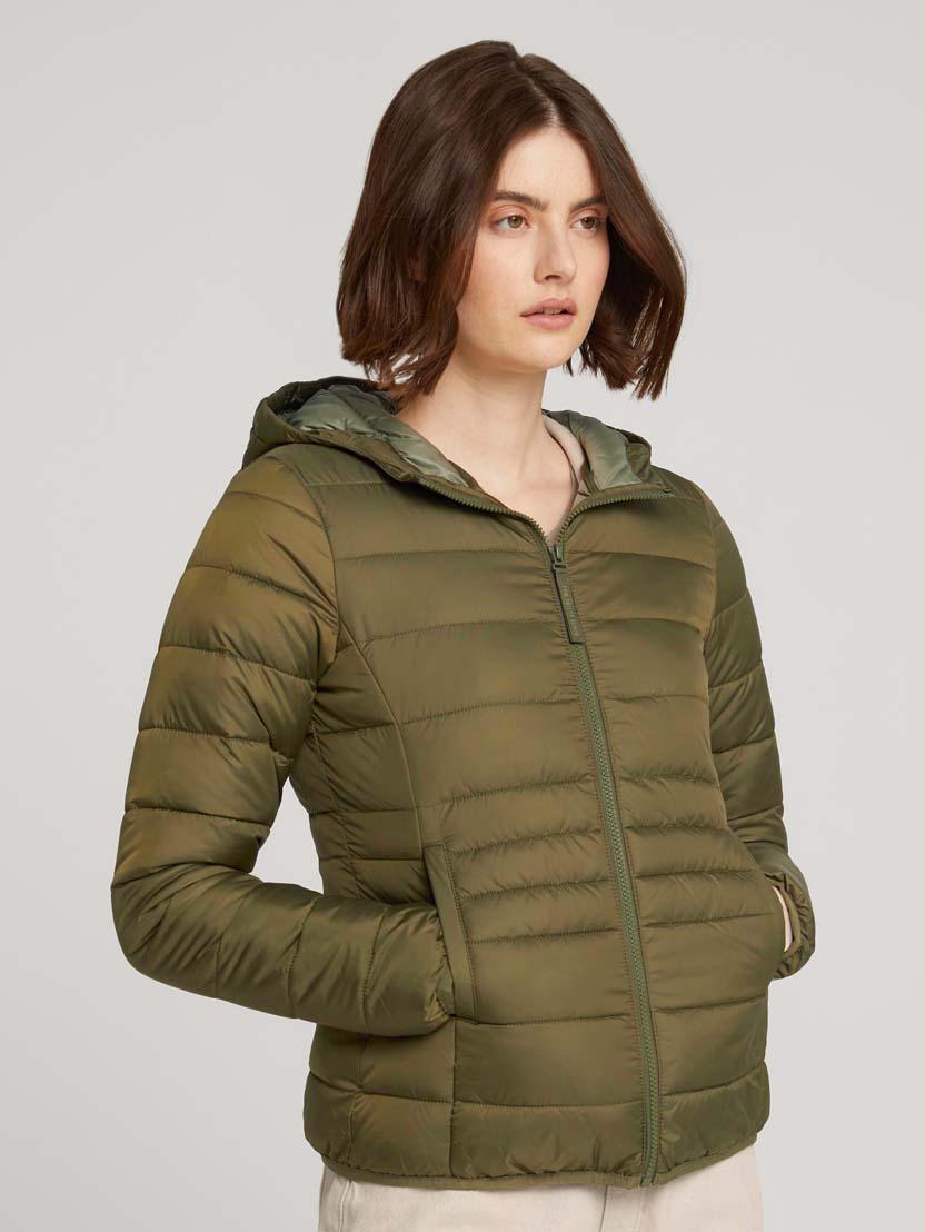 Prešita lahka jakna s kapuco - Zelena